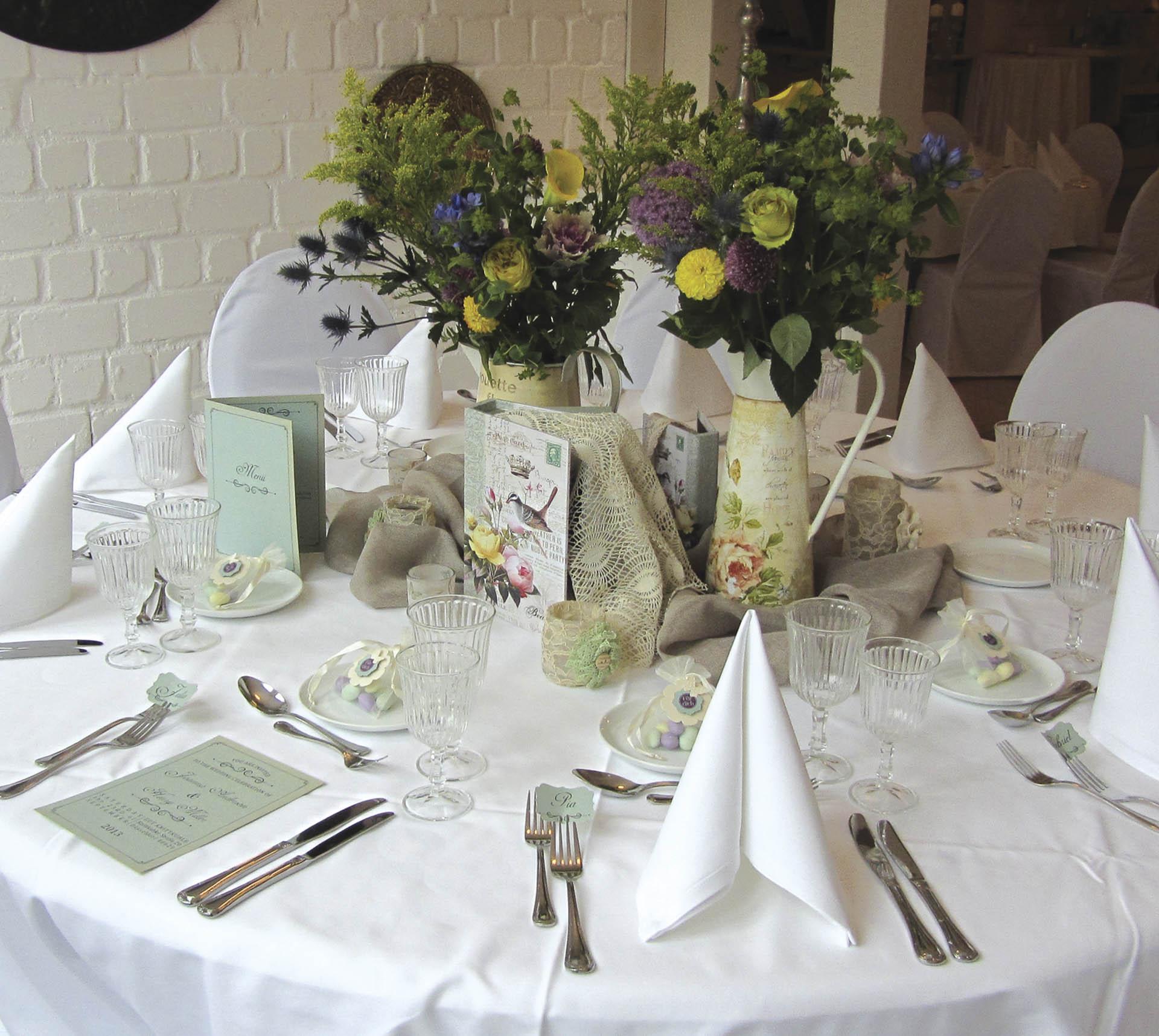 bohemian romantic the wedding table. Black Bedroom Furniture Sets. Home Design Ideas