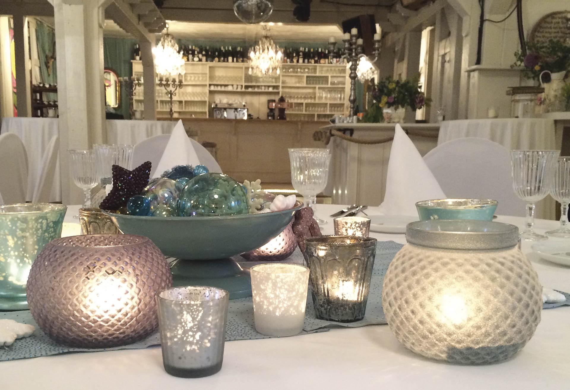 frozen winter the wedding table. Black Bedroom Furniture Sets. Home Design Ideas