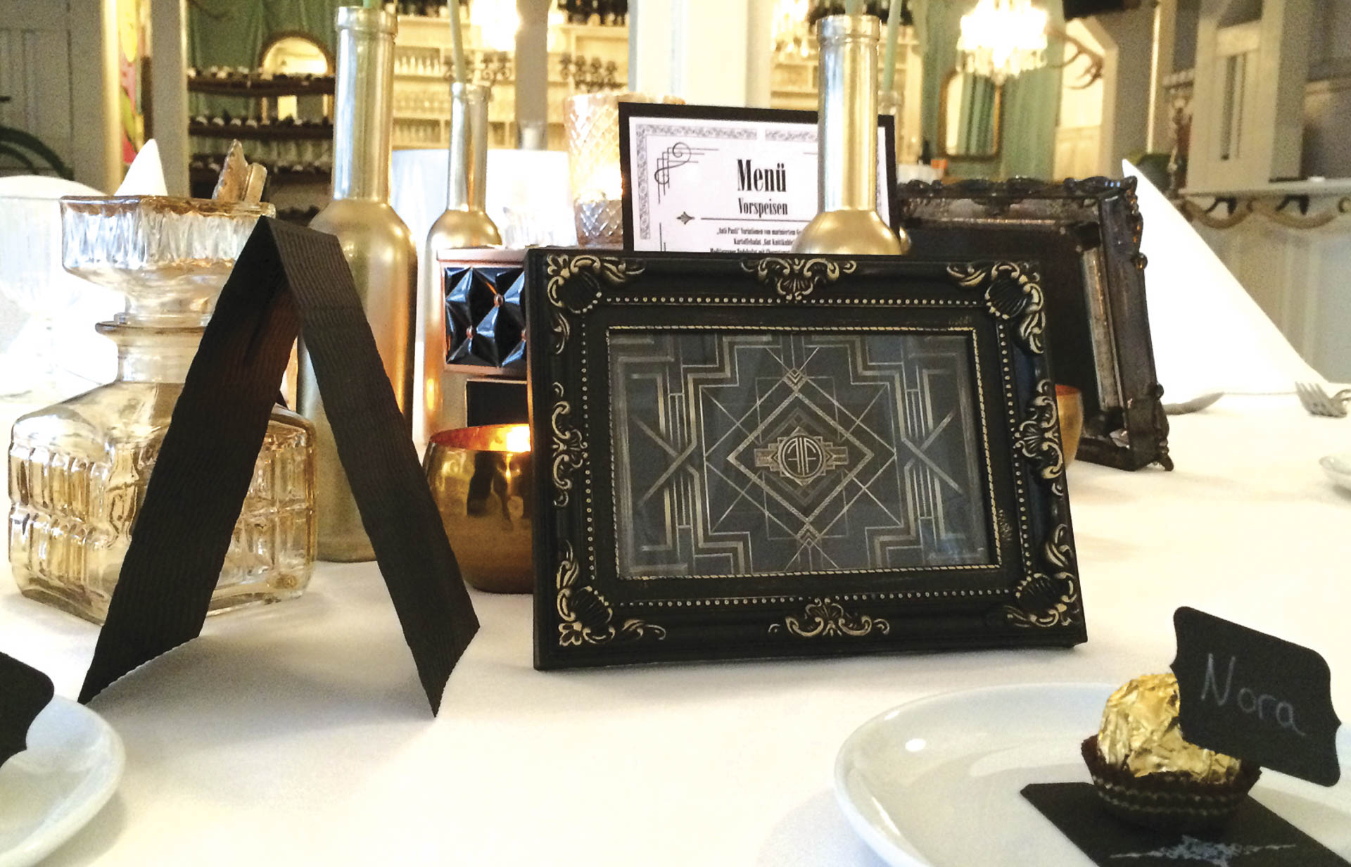 gatsby glamour the wedding table. Black Bedroom Furniture Sets. Home Design Ideas